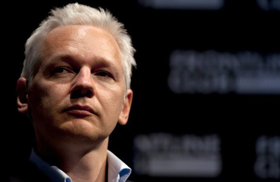 السويد تغلق ملف أسانج.. وبريطانيا تصرّ على اعتقاله