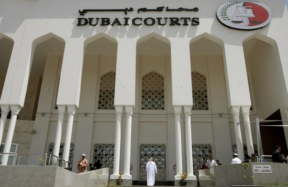 """الإمارات تفرج عن 3 من """"الإصلاح"""" بعد سنوات على اعتقالهم"""