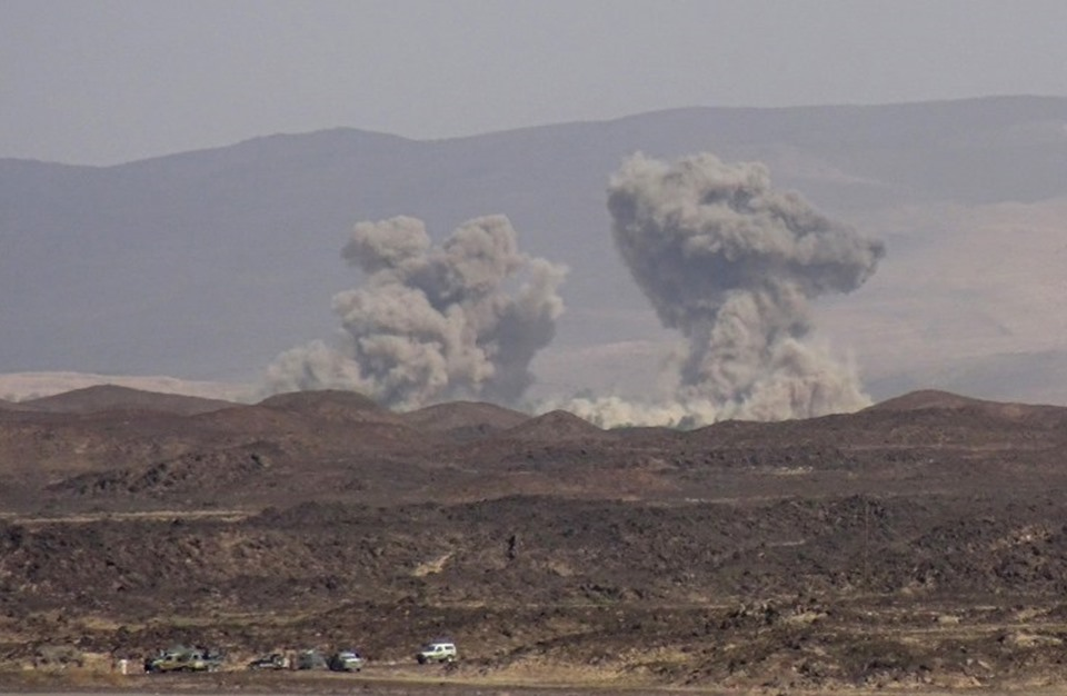 غارة خاطئة تقتل 20 جنديا يمنيا بالجوف واتهام للإمارات