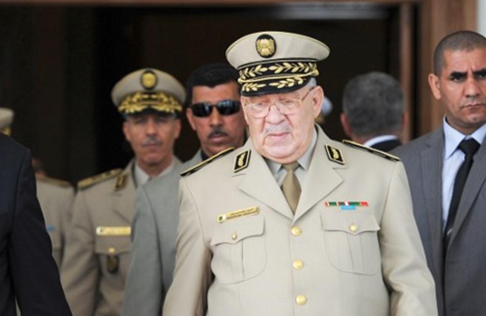 قائد الجيش الجزائري يطلب إعلان عجز بوتفليقة عن أداء مهامه