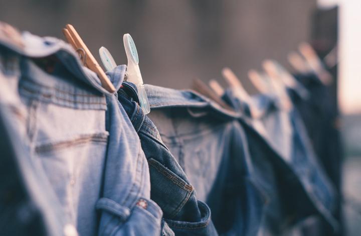 تعرف على الطريقة الصحيحة لغسل أنواع الملابس