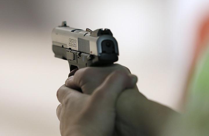 """مؤسسة """"كلاشينكوف"""" تعرض مسدسه الخاص (شاهد)"""
