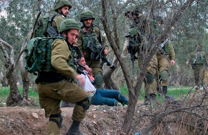 إصابة فلسطينيين برصاص الاحتلال الإسرائيلي شرقي رام الله