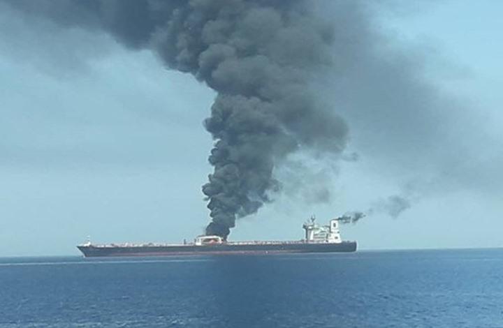 هجوم يستهدف ناقلتي نفط بخليج عمان.. وإيران تنقذ 44 بحارا