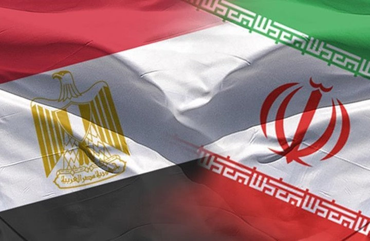 كاتب سعودي يدعو مصر إلى توضيح موقفها من إيران
