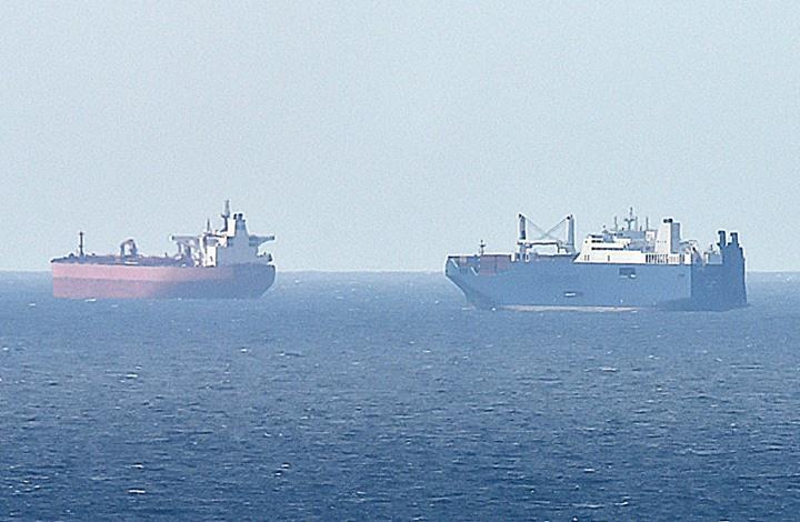 انهيار سعر نقل النفط للسالب.. هل تدفع الناقلات أموالا للتجار؟