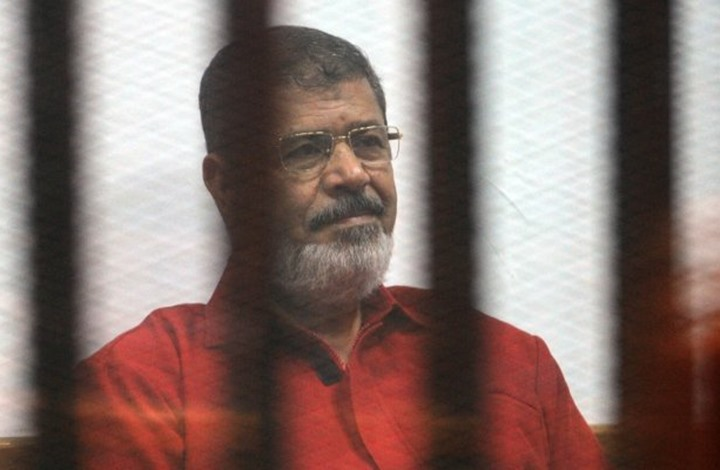 علامتان ترفعان احتمالات أن يكون مرسي قد مات اغتيالا
