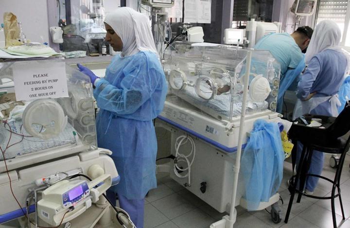 الغارديان: مواليد غزة يموتون وحدهم بمستشفى في القدس
