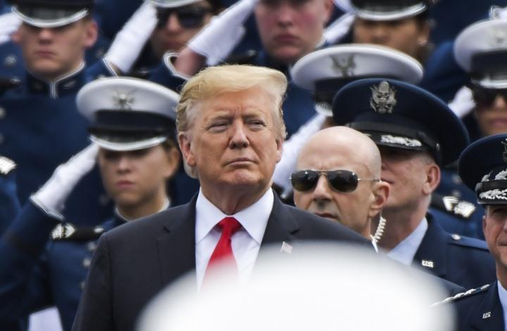 ترامب يتحدث عن بند سري للهجرة.. وصحف أمريكية تنفي