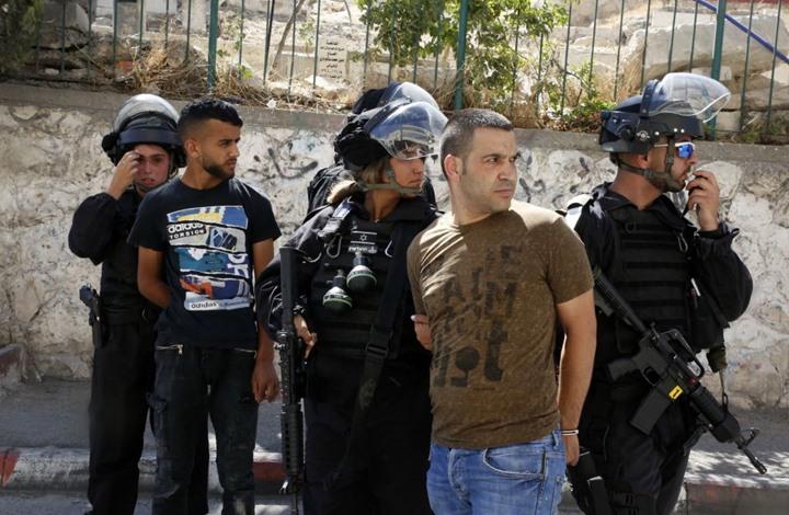 حملة اعتقالات ومداهمات للاحتلال بالضفة والقدس (شاهد)