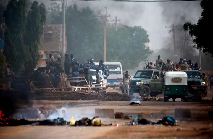 أحزاب سودانية تندد بفض اعتصام الخرطوم وتدعو للتصعيد
