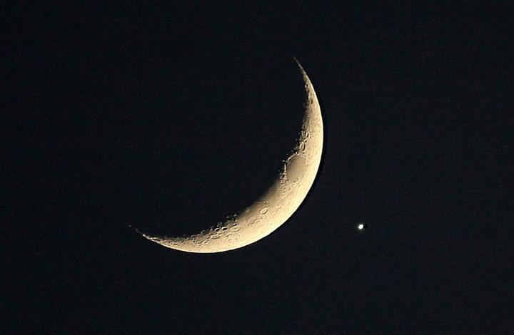 عالم سعودي يشرح أسباب اكتمال رمضان 30 يوما هذا العام