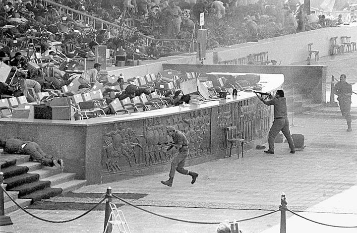 وثيقة إسرائيلية سرية تنبأت باغتيال السادات عام 1981