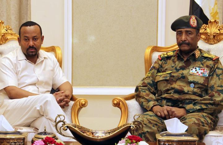 آبي أحمد يدعو السودانيين لاتخاذ قرارهم بعيدا عن تدخل الخارج