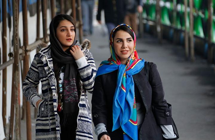 """""""شرطة أخلاق"""" في إيران لمواجهة حملات خلع الحجاب"""