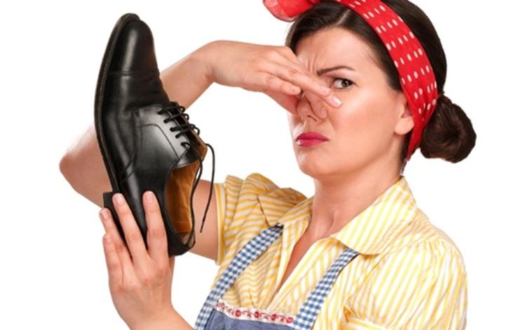إليك 3 حلول للقضاء على رائحة الأحذية الكريهة