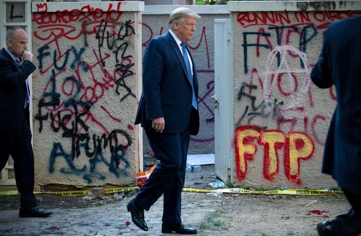 الغارديان: غرام ترامب بالقوة يستدعي جوابا من الناخبين