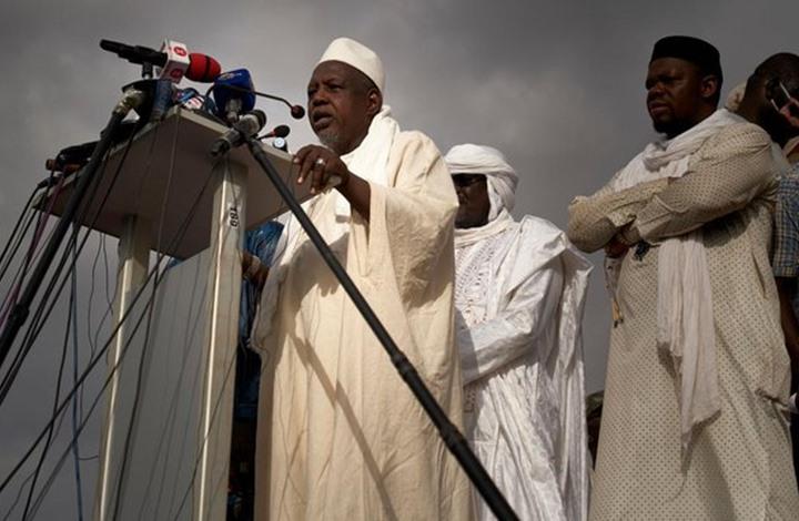 محمود ديكو.. الإمام الذي يقود الاحتجاجات ضد الفساد في مالي