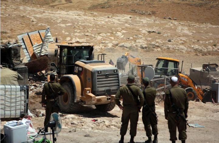 الاحتلال يهدم 16 منزلا بمناطق بالضفة الغربية