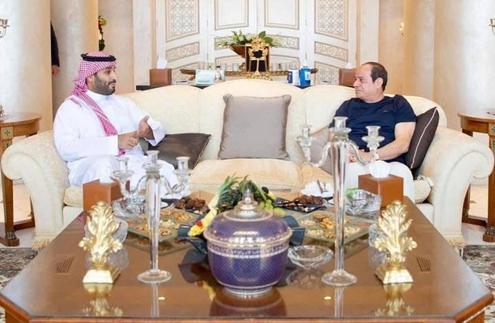 صحيفة لبنانية: السيسي وابن سلمان طويا الخلاف بشرم الشيخ
