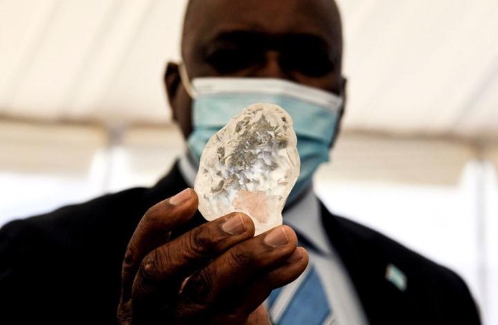 العثور على ثالث أكبر حجر ألماس في العالم (شاهد)
