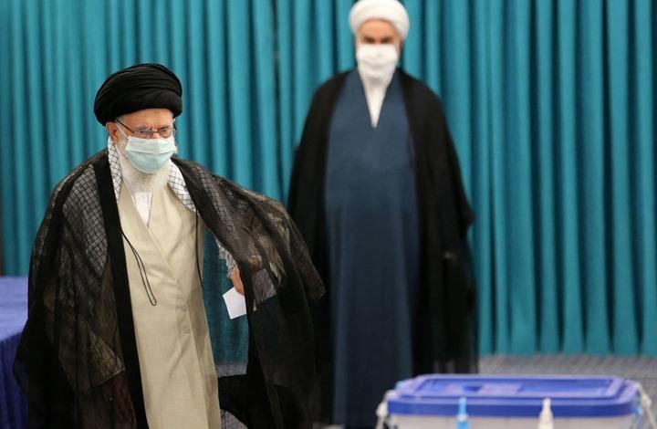 """محللون لـ""""عربي21"""": الانتخابات الجارية بإيران تمهد لموقع المرشد"""