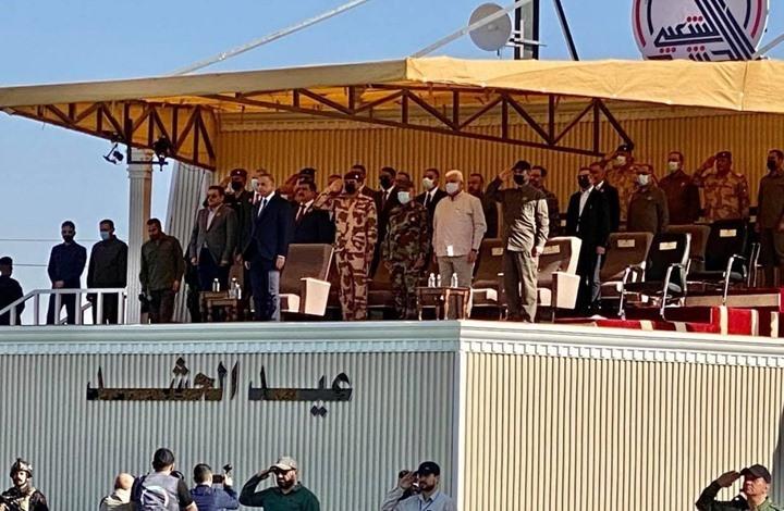 """الكاظمي يرعى استعراضا عسكريا بذكرى تأسيس """"الحشد الشعبي"""""""