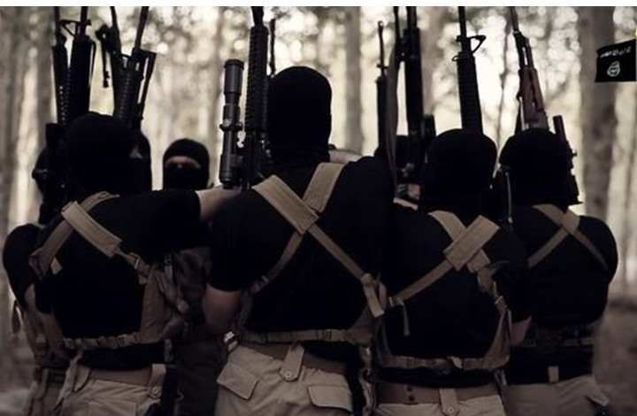 """قيادي مفصول من """"النصرة"""": أمنيو """"داعش"""" أعدموا 40 من قادته"""