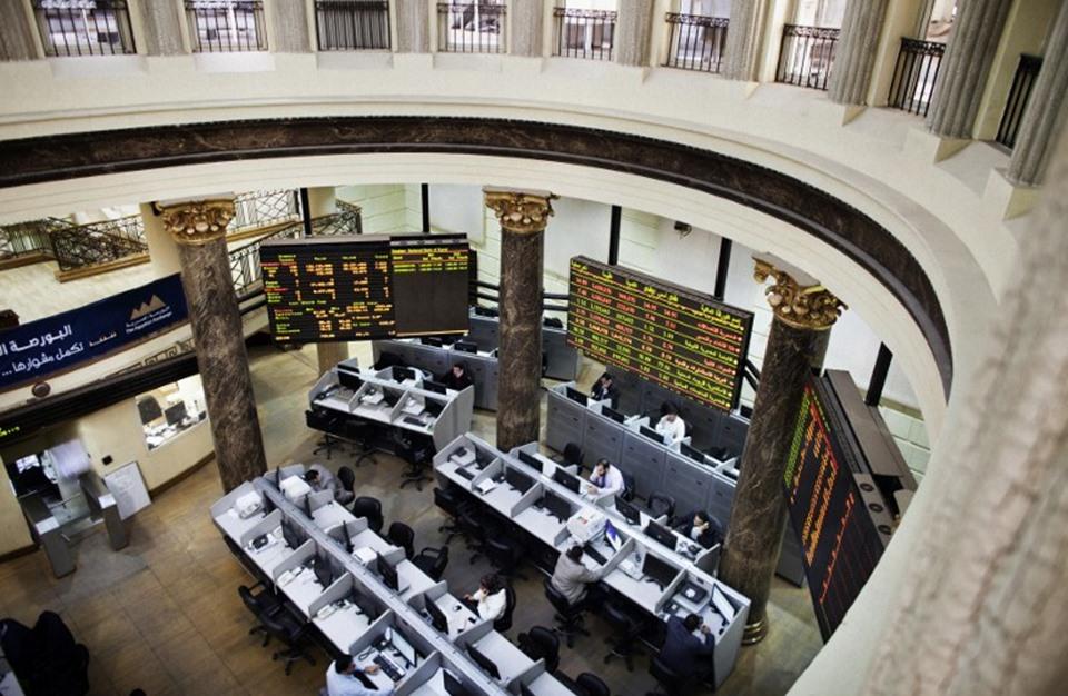"""ما مدى تأثير """"الحقن المالي"""" للبورصة المصرية.. ولصالح من؟"""