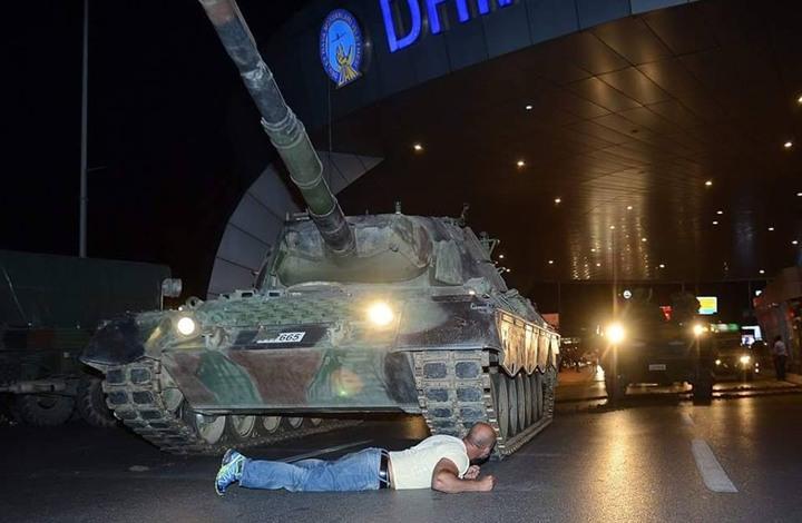 ماذا كشفت تسريبات العتيبة عن علاقة الإمارات بانقلاب تركيا؟