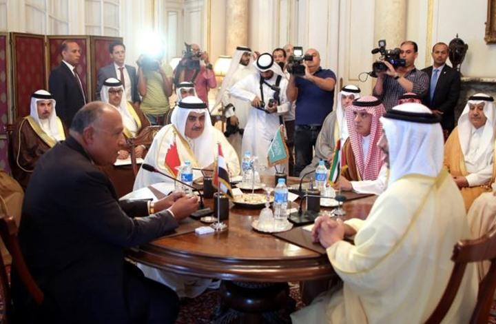 مقرب من عباس: صدمة من موقف الإمارات ومصر والسعودية
