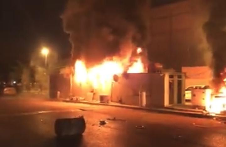 العراق يقطع الإنترنت مع اشتداد التظاهرات واشتعال النجف