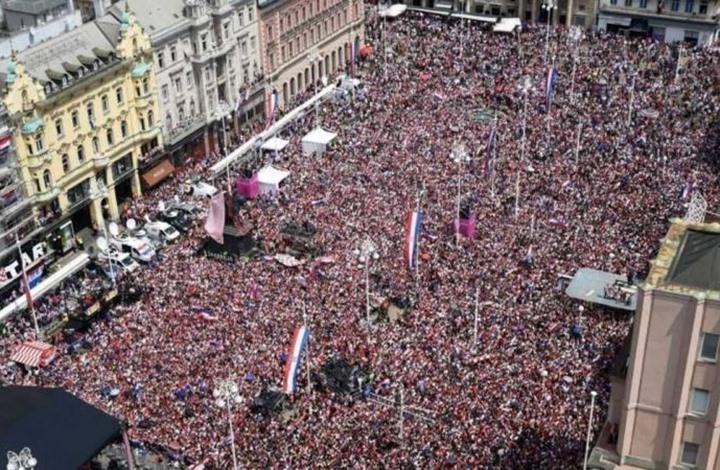 استقبال شعبي كبير لأبطال منتخب كرواتيا بزغرب (شاهد)