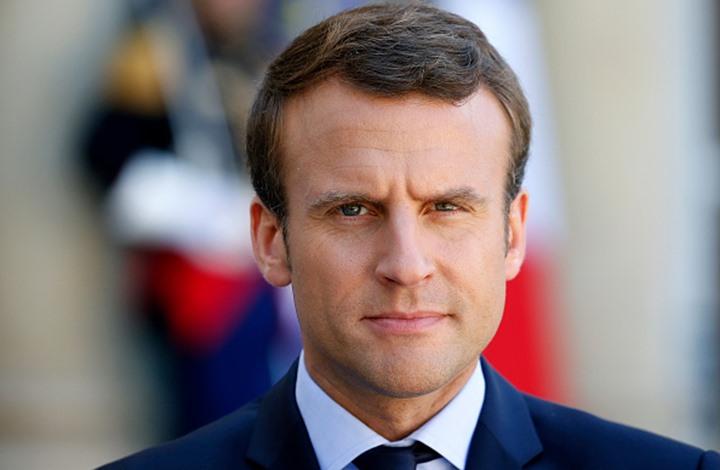 """ماكرون يطلب ميثاقا من مسلمي فرنسا بأن دينهم """"غير سياسي"""""""