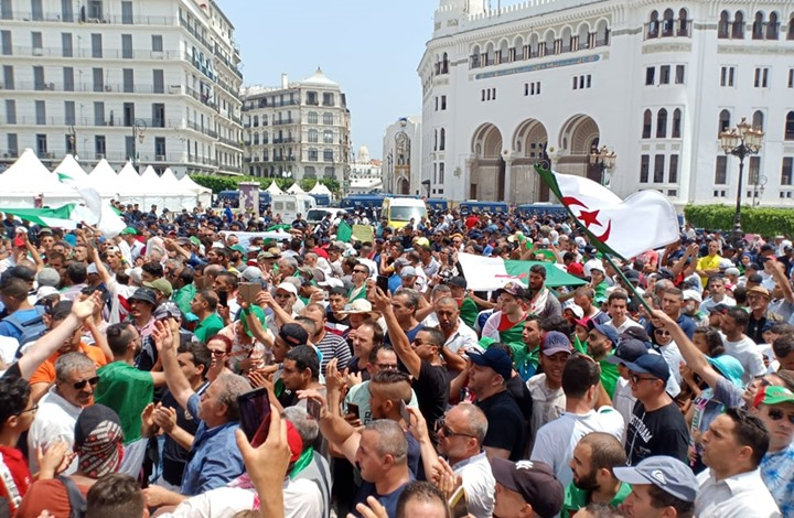 صحيفة إسبانية: هل وصلت الجزائر إلى طريق مسدود؟