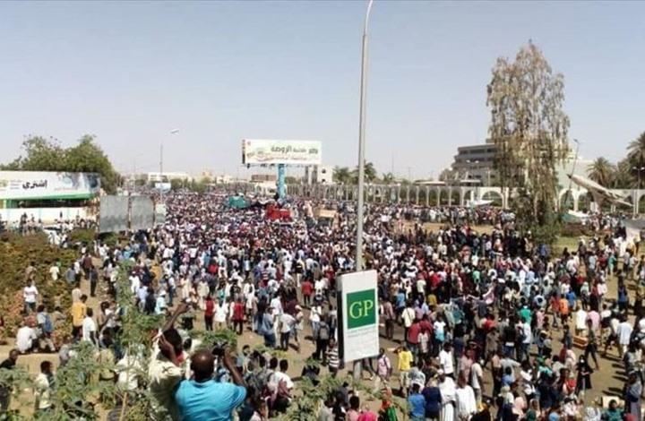 اليسار السوداني.. قراءة في تاريخ الأناشيد والأهازيج والثورة