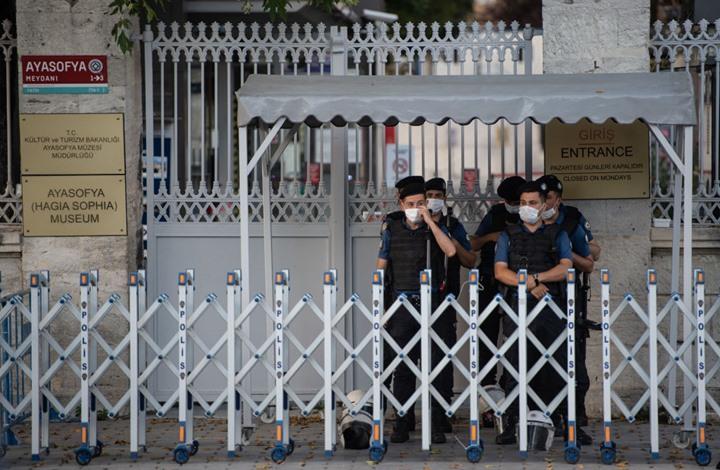 """تركيا تعتقل مسيئا للنبي ووزير الداخلية ينعته بـ""""الحثالة"""""""