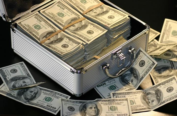 10 أشياء يجب التوقف عنها إذا كنت تريد أن تصبح غنيا