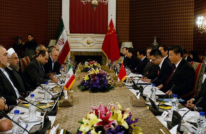 FT: الولايات المتحدة تراقب بحذر التقارب الإيراني الصيني