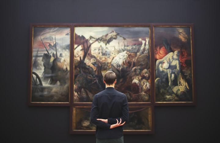 اعتقال تاجر أعمال فنية متهم بعملية خداع كسب منها الملايين