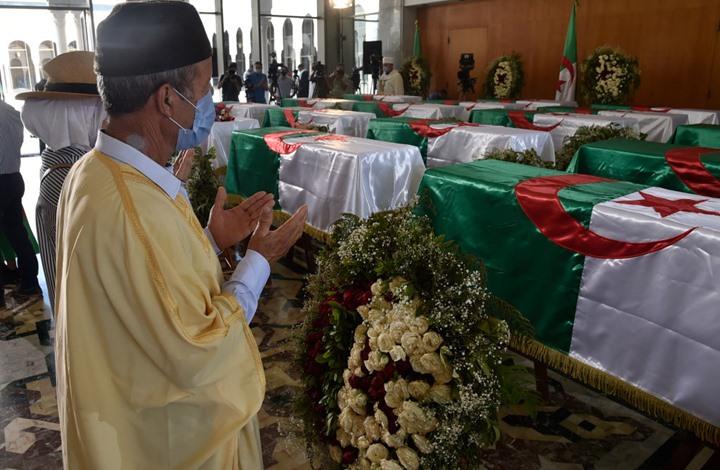 الجزائر تودع رفات قادة بالمقاومة الشعبية ضد فرنسا (شاهد)