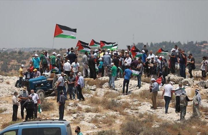 مسيرة في سلفيت ضد محاولة الاحتلال مصادرة أراض