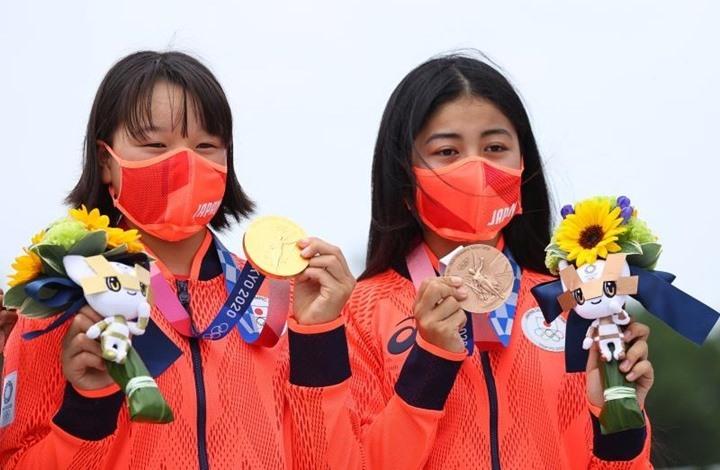 مذهل.. طفلة يابانية تحرز ميدالية ذهبية بأولمبياد طوكيو