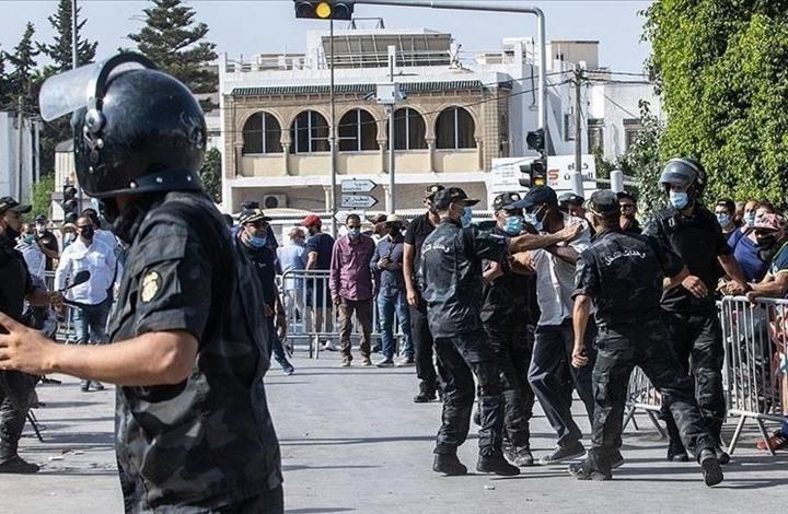 NYT: تخلي الغرب عن الديمقراطية الناشئة بتونس أفشل قادتها