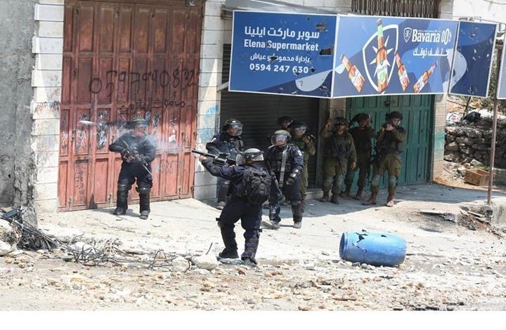 مئات الإصابات بمواجهات في الضفة.. وقمع تظاهرة بالشيخ جراح