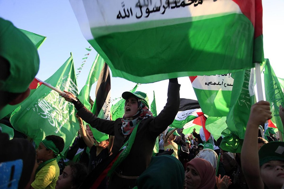 الآلاف بالضفة يحتفون بنصر المقاومة في غزة (صور)