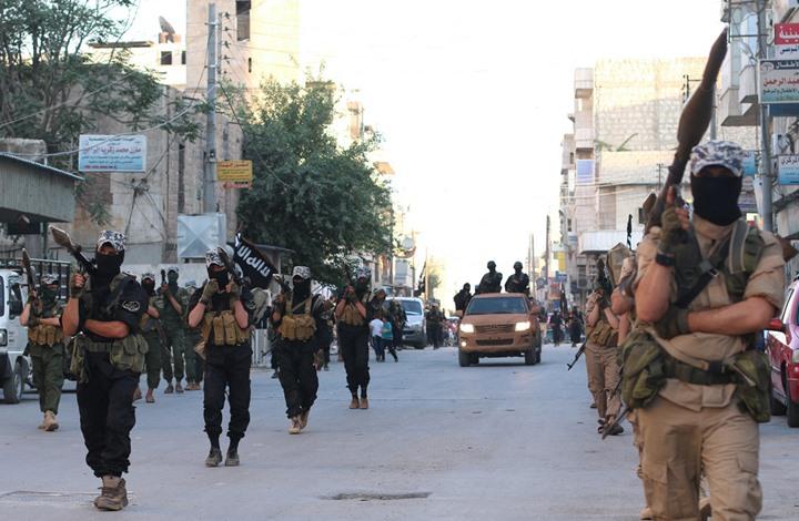 """شرعي في """"الدولة"""": 50 مقاتلا من جند الأقصى وصلوا الرقة"""