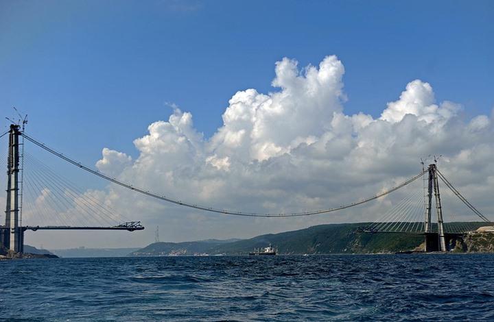 تركيا توقع عقدا لبناء أطول جسر معلق بالعالم