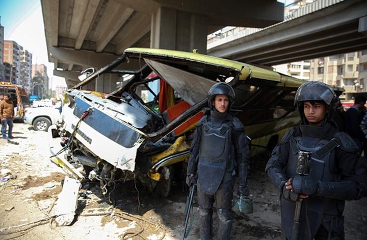 مقتل وإصابة 24 شخصا في حادث تصادم حافلتين بالقاهرة