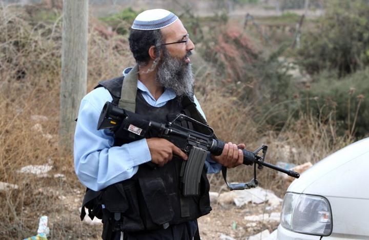 مستوطنون يهاجمون قرية بالخليل.. واعتقالات بالضفة (صور)
